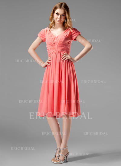 A-Line/Princess Chiffon Bridesmaid Dresses Ruffle V-neck Short Sleeves Knee-Length (007004160)