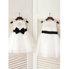 A-Line/Princess Scoop Neck Knee-length With Sash/Bow(s) Tulle/Lace Flower Girl Dresses