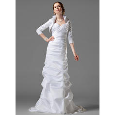 Sheath/Column Sweetheart Court Train Wedding Dresses With Ruffle (002001182)
