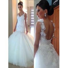 Trumpet/Mermaid Tulle Sleeveless V-neck Court Train Wedding Dresses