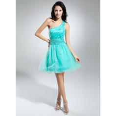 A-Line/Princess One-Shoulder Short/Mini Cocktail Dresses With Ruffle Beading (016014918)