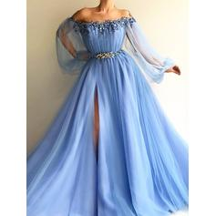 A-Line/Princess Scoop Neck Floor-Length Prom Dresses With Beading (018218084)