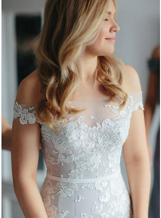 Sexy Off-The-Shoulder Trumpet/Mermaid Wedding Dresses Royal Train Tulle Sleeveless