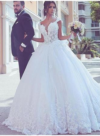 Ball-Gown V-neck Sweep Train Wedding Dresses With Lace