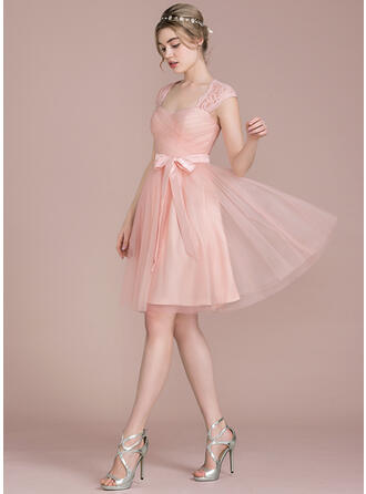 A-Line Knee-Length Tulle Lace Bridesmaid Dress With Bow(s)