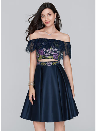 A-Line/Princess Off-the-Shoulder Knee-Length Satin Homecoming Dresses With Lace