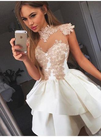 A-Line/Princess High Neck Short/Mini Homecoming Dresses With Appliques Lace