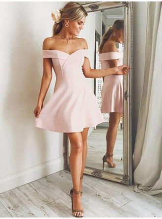 A-Line/Princess Off-the-Shoulder Short/Mini Stretch Crepe Homecoming Dresses With Ruffle