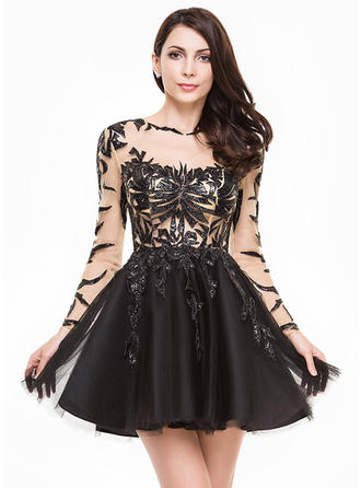 A-Line/Princess Scoop Neck Short/Mini Tulle Homecoming Dresses With Sequins
