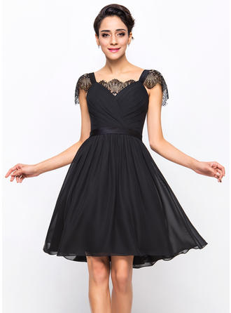 A-Line/Princess Sweetheart Knee-Length Cocktail Dresses With Ruffle Lace