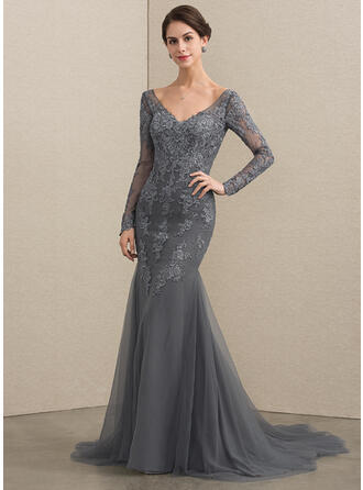 Trumpet/Mermaid V-neck Court Train Tulle Lace Evening Dress