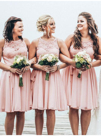 A-Line/Princess Chiffon Lace Bridesmaid Dresses Scoop Neck Sleeveless Knee-Length