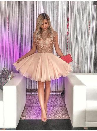 A-Line/Princess High Neck Short/Mini Homecoming Dresses With Beading Appliques Lace
