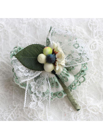 Boutonniere/Men's Accessories Wedding Satin/Lace The color of embellishments are shown as picture/Color & Style representation may vary by monitor Nice Wedding Flowers