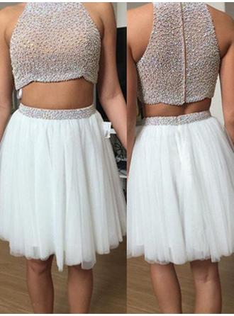 A-Line/Princess High Neck Knee-Length Homecoming Dresses With Beading