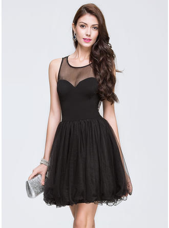 A-Line/Princess Scoop Neck Short/Mini Tulle Homecoming Dresses With Beading Sequins