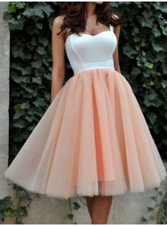 A-Line/Princess Sweetheart Knee-Length Cocktail Dresses With Ruffle