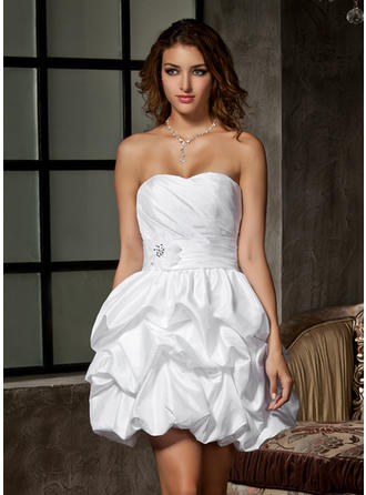 A-Line/Princess Sweetheart Short/Mini Wedding Dresses With Ruffle Beading Flower(s)