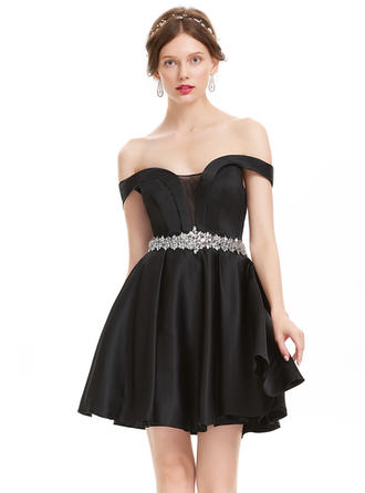 A-Line/Princess Off-the-Shoulder Short/Mini Satin Homecoming Dresses With Beading