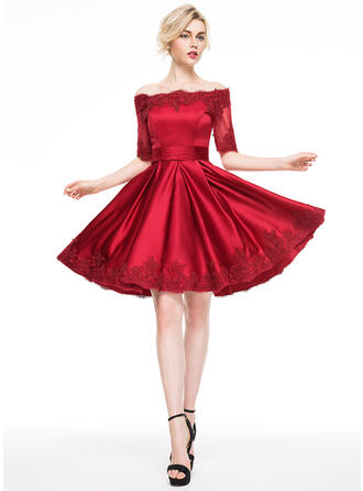A-Line Off-the-Shoulder Knee-Length Satin Cocktail Dress With Appliques Lace