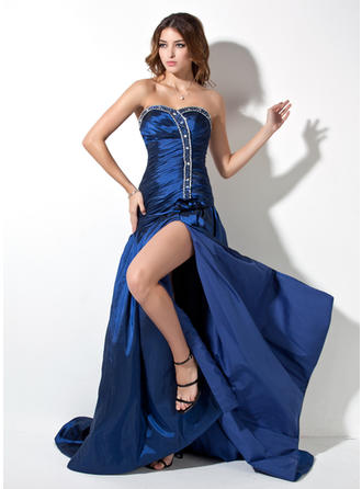 A-Line/Princess Sweetheart Court Train Prom Dresses With Ruffle Beading Split Front